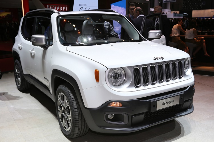 2017 Jeep Renegade front view