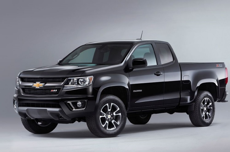 2017 Chevrolet Colorado front view