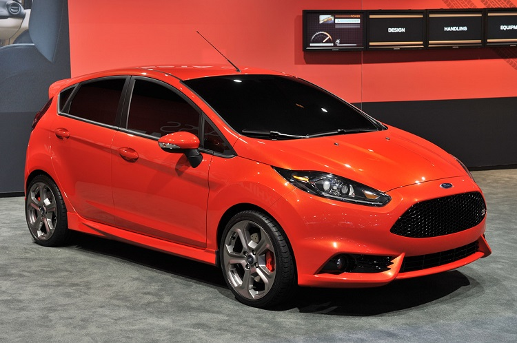 2017 Ford Fiesta ST front view