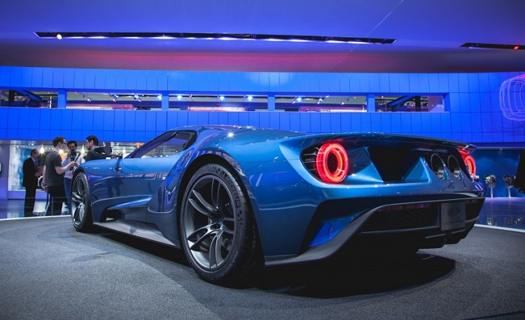 2017 Ford GT rear view