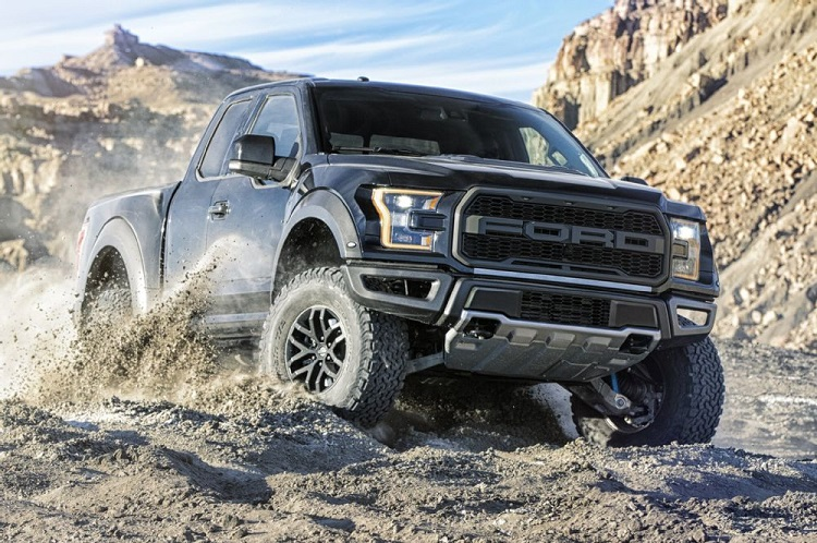 2017 Ford Raptor front view