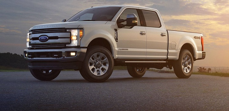 2017 Ford Super Duty front view