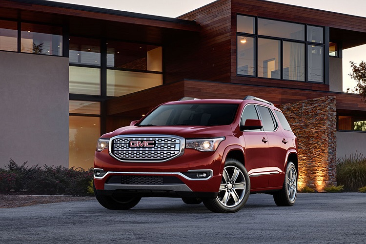 2017 GMC Acadia front view