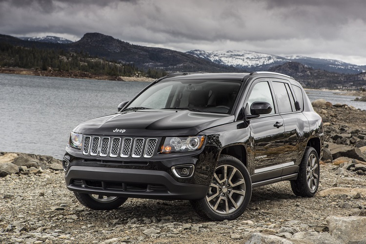 2017 Jeep Compass front view
