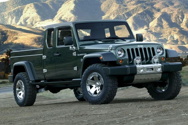 2017 Jeep Scrambler front view