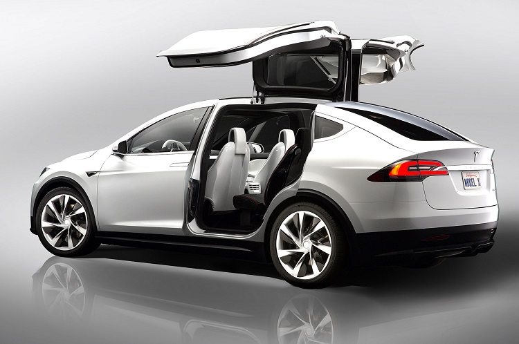 2017 Tesla Model X rear view