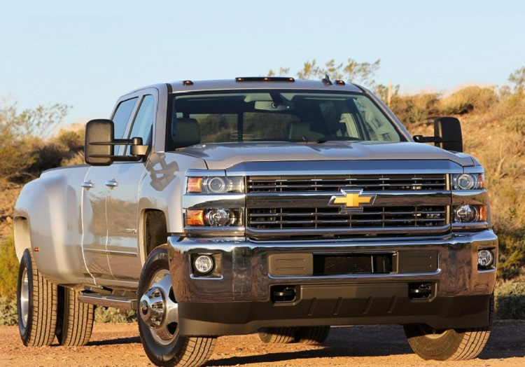 2017 Chevrolet Silverado 3500HD front view
