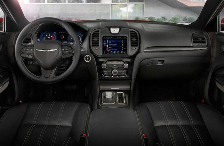 2017 Chrysler 300 interior