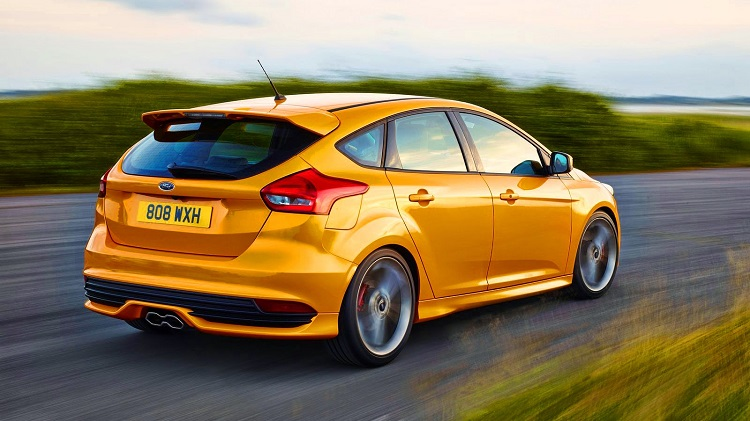 2017 Ford Focus ST rear view