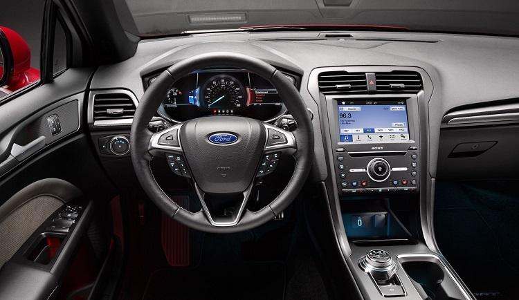 2017 Ford Mondeo interior