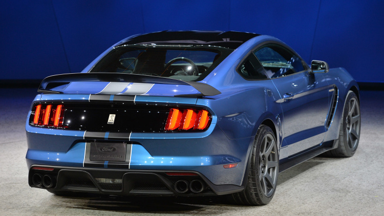 2017 Ford Mustang GT350R rear view