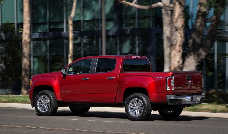 2017 GMC Canyon rear view
