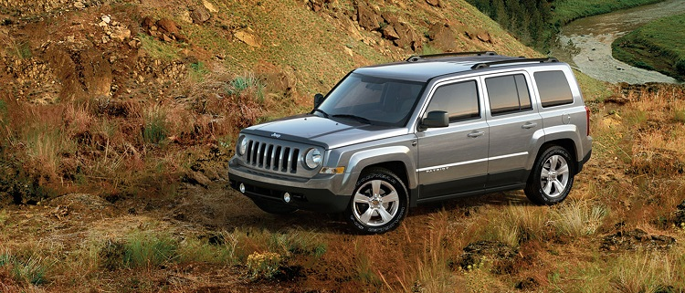 2017 Jeep Patriot front view