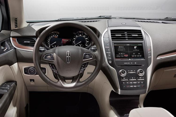 2017 Lincoln MKC interior