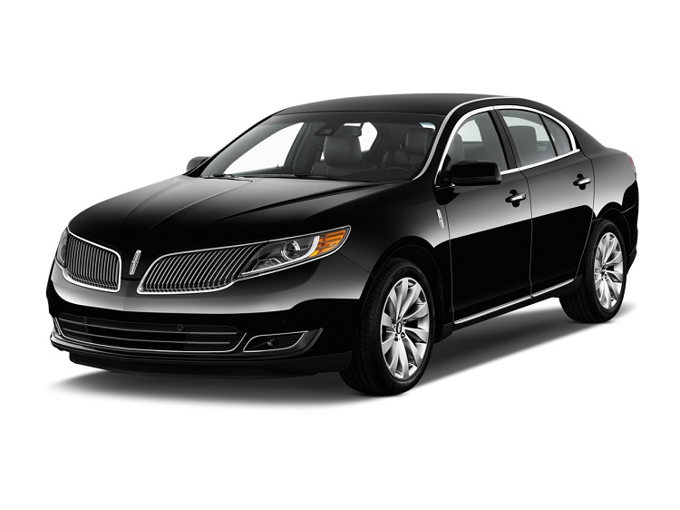 2017 Lincoln MKS front view