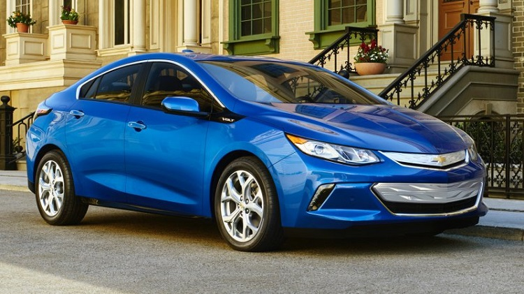 2017 Chevrolet Volt front view
