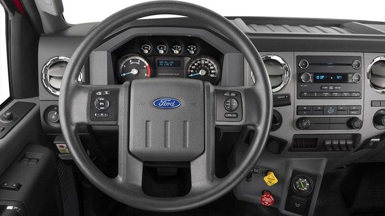 2017 Ford F-650 interior