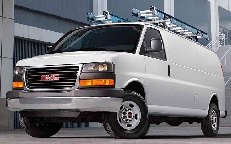 2017 GMC Savana front view