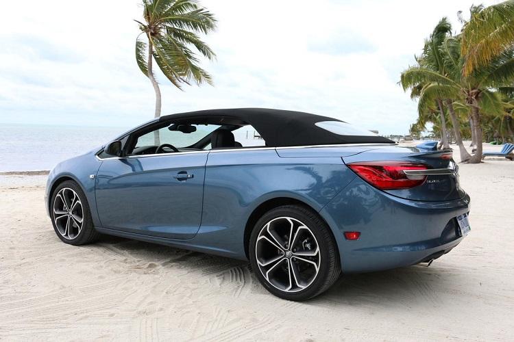 2018 Buick Cascada rear view