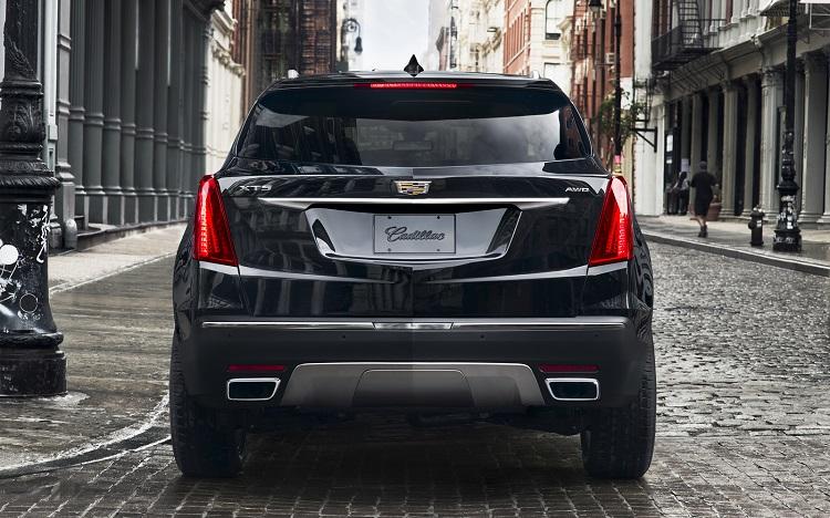 2018 Cadillac XT5 rear view