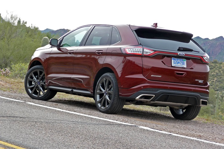 2018 Ford Edge rear view