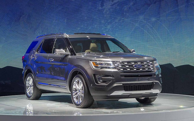 2018 Ford Explorer front view