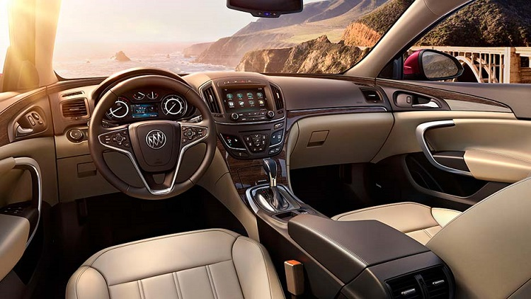 2018 Buick Regal interior