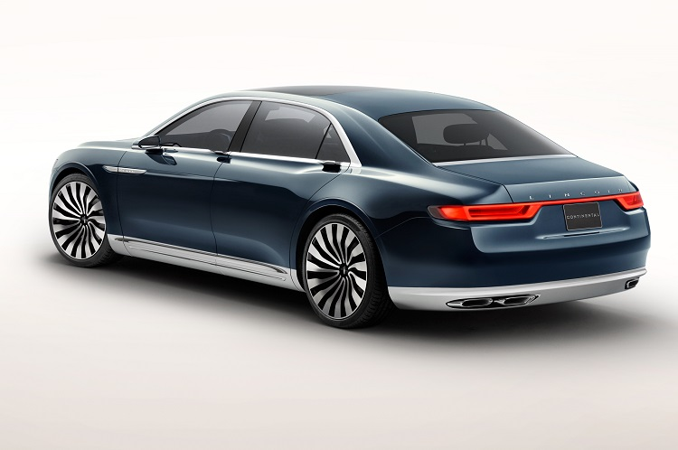 2018 Lincoln Continental rear view