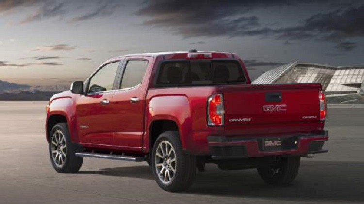 2018 GMC Canyon rear view