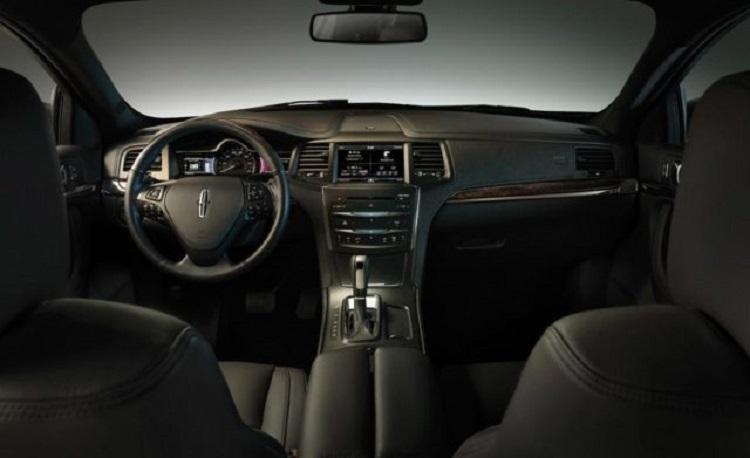 2018 Lincoln MKS interior