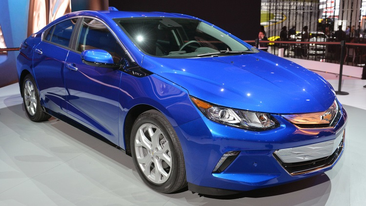 2018 Chevrolet Volt front view