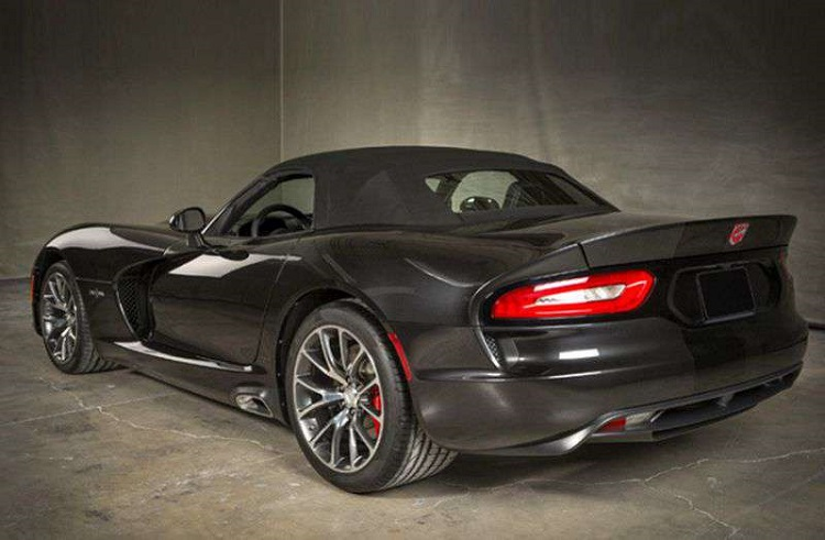 2018 Dodge Viper rear view
