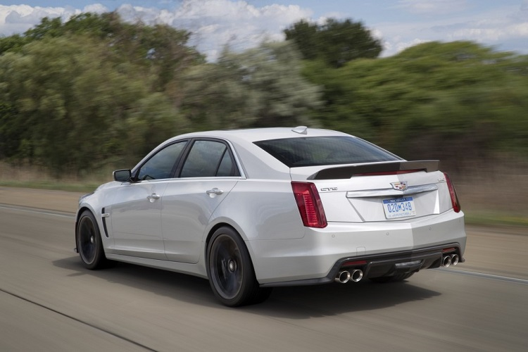 2018 Cadillac CTS-V rear view
