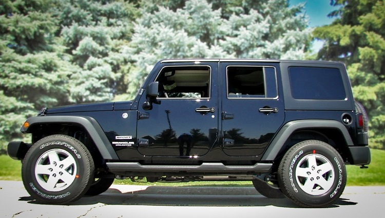 2018 Jeep Wrangler Unlimited side view