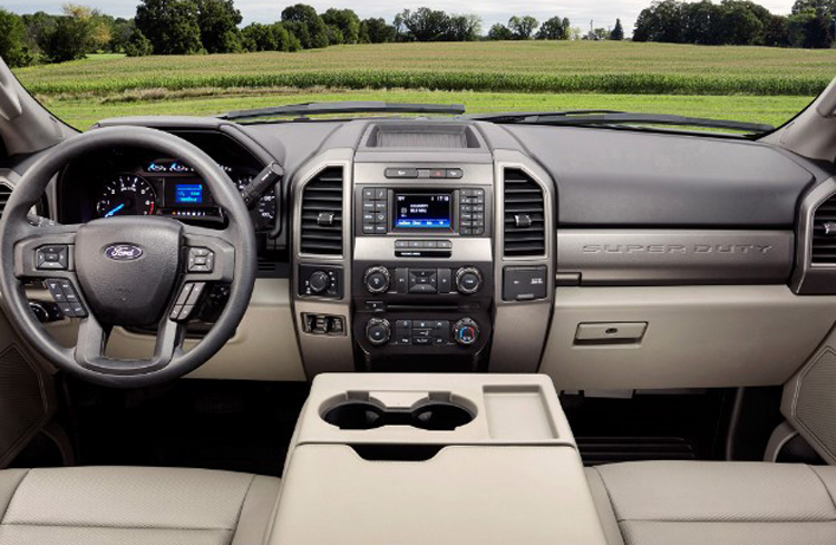 2018 Ford F-550 dashboard