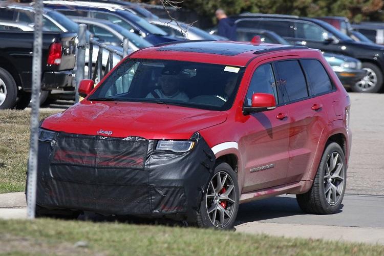 2018 Jeep Grand Cherokee Trackhawk spyshot