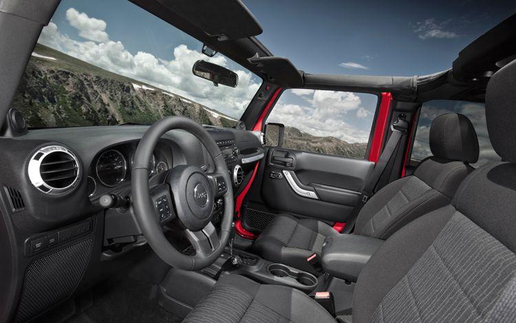 2018 Jeep Pickup Truck cabin