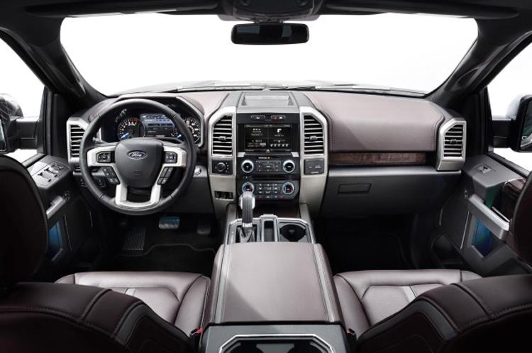 2018 Ford F-650 interior