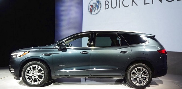 2019 buick enclave side view