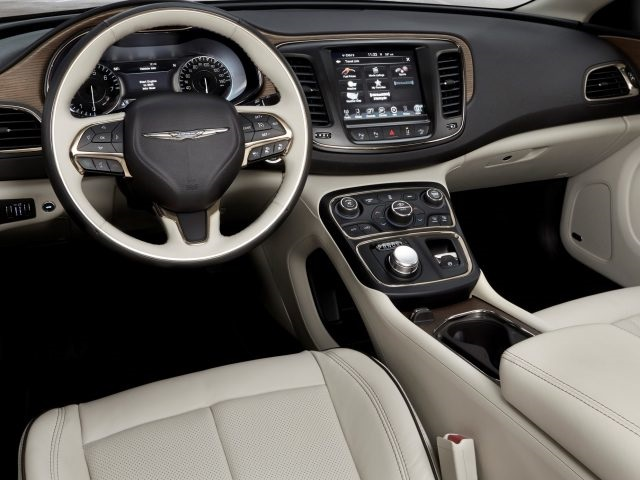 2019 chrysler 200 interior