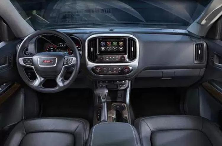 2019 GMC Envoy interior