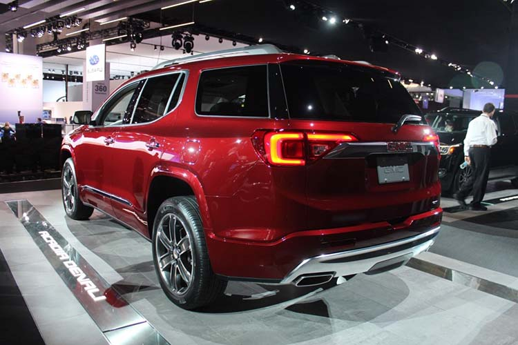 2019 GMC Envoy rear