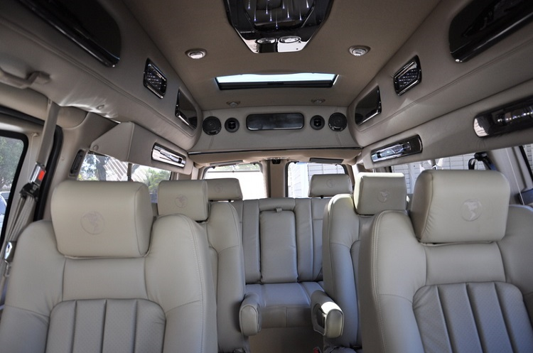 2019 GMC Savana interior