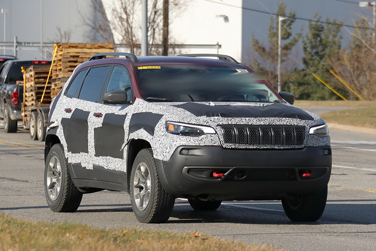 2019 Jeep Compass spy shot