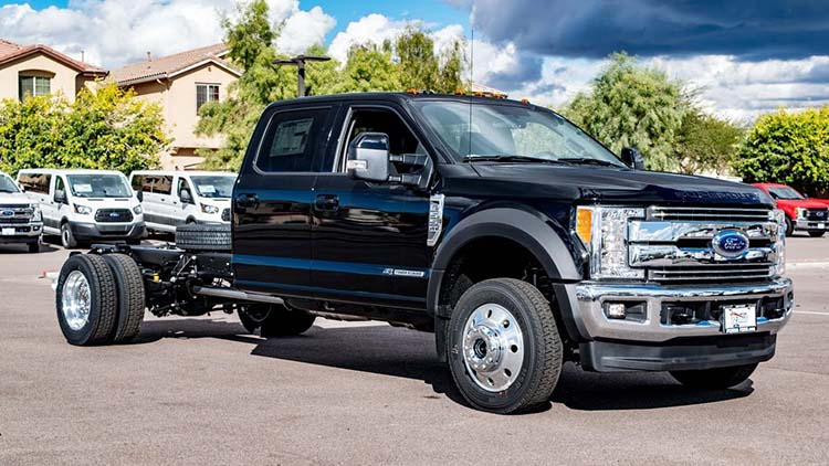 ford    largest super duty truck  american cars