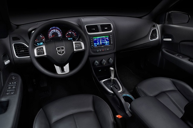 2019 Dodge Avenger interior