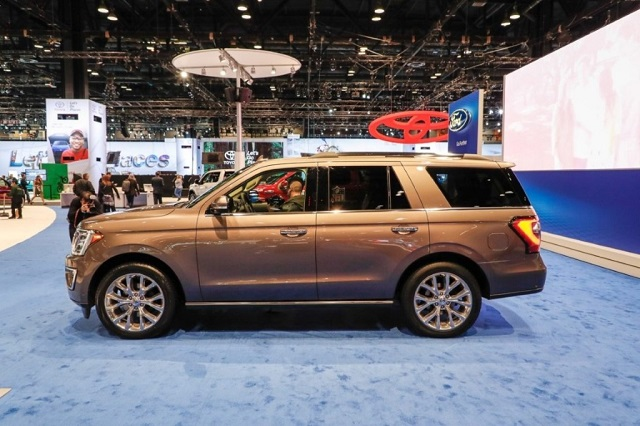 2019 Ford Expedition Hybrid side view