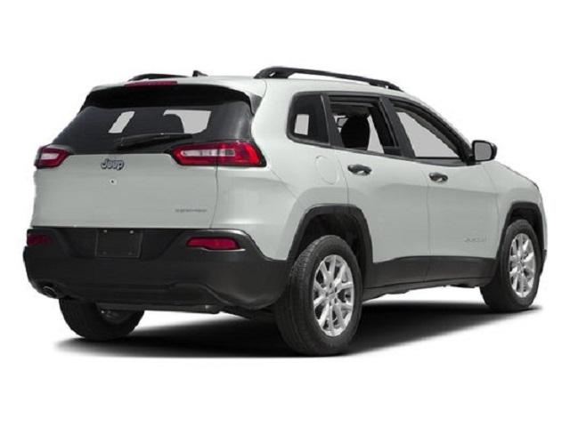 2021 Jeep Cherokee Rear