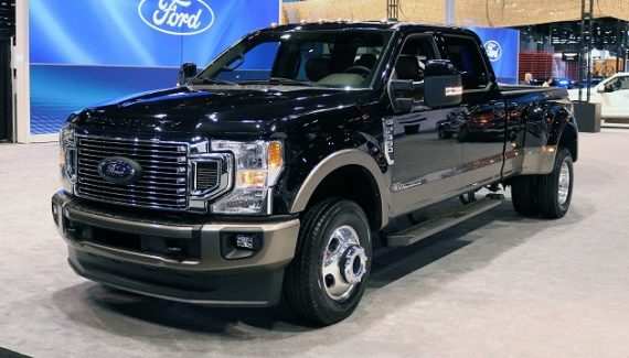 2021 Ford F-350 front